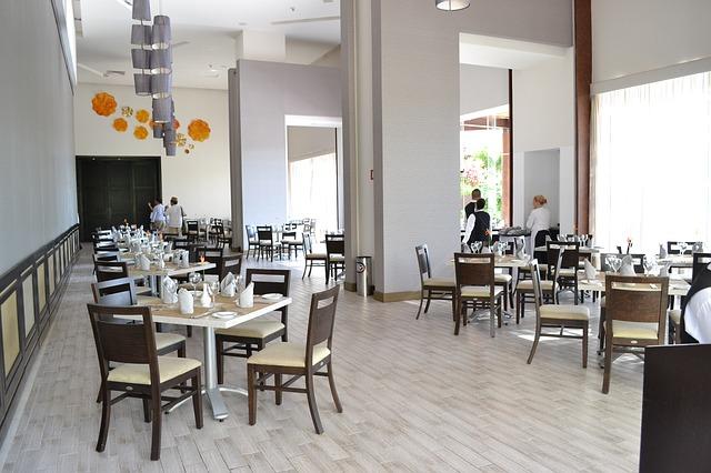 restaurant-630335_640